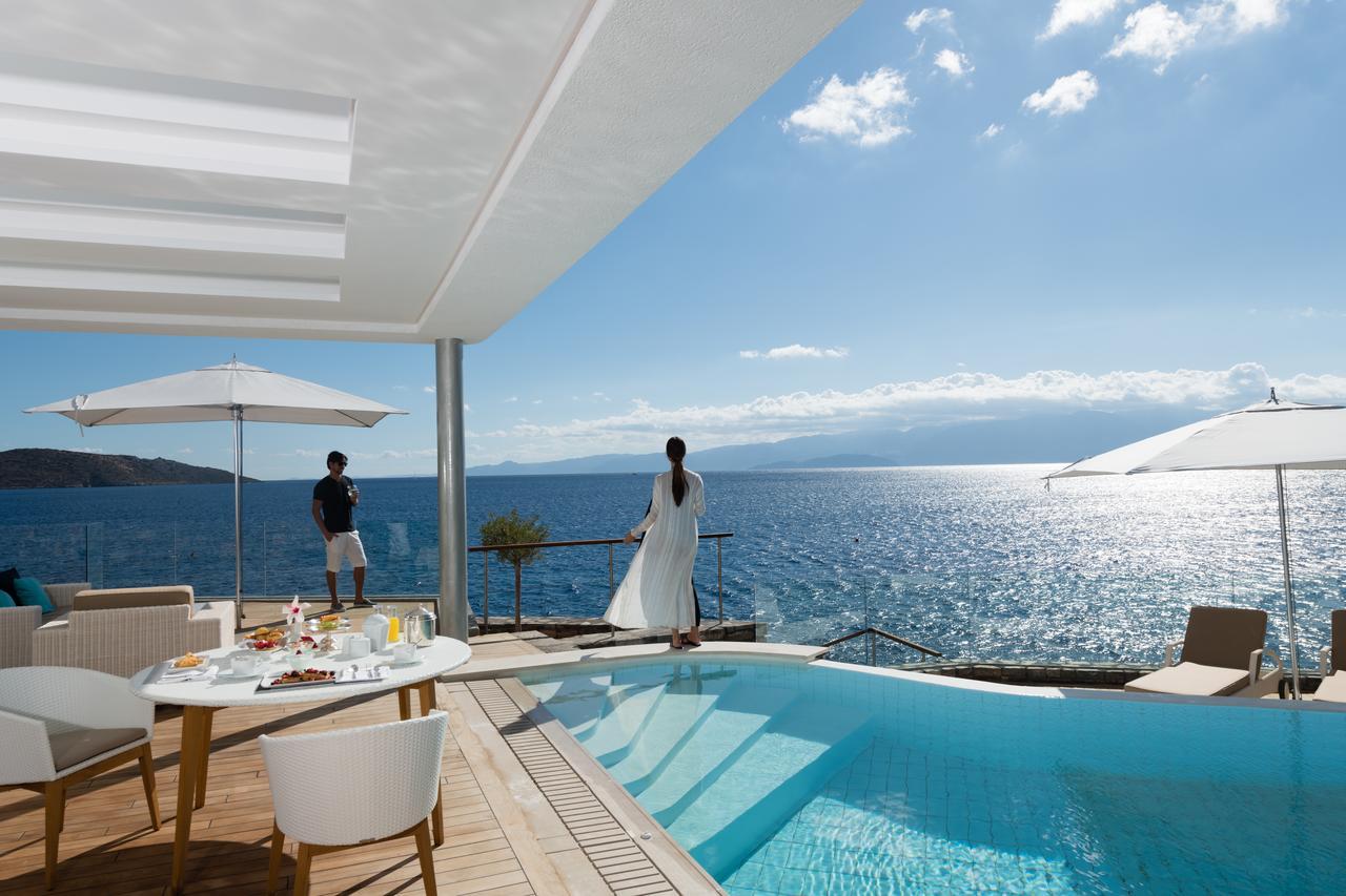 Luxury accommodation in Greece